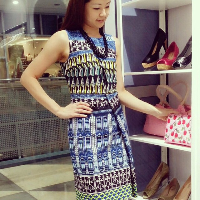 Channeling my inner #goddess in this Roman Colosseum digital print #dress. Feeling good! #ootd #ootdsg #fashion #bnm #butterfliesandmarigolds #blue #veilshop #instadaily #instafashion