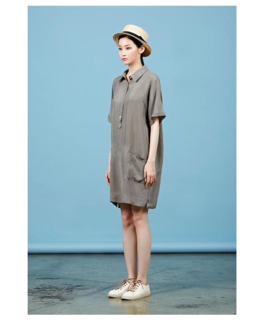 Платье свободного кроя.  Состав: 100% купра  Цена: 18700 руб.