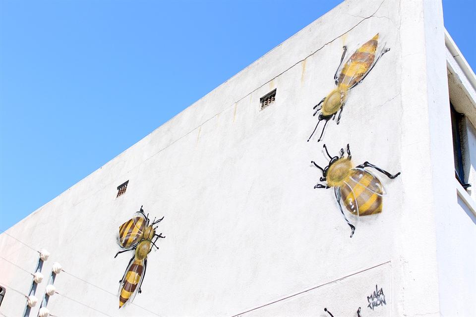 makatron bees in woodstock - woodstock street art tour cape town_x960.jpg