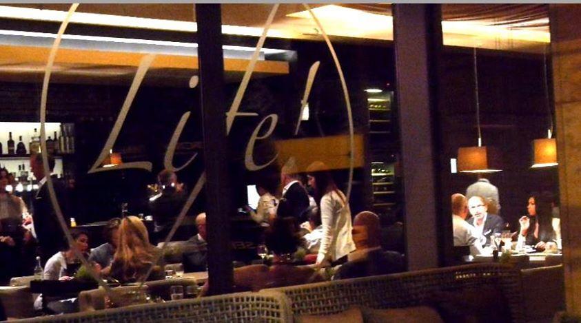 life restaurant dusseldorf3.jpg