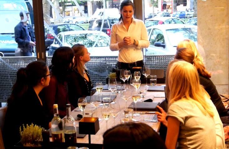 life restaurant dusseldorf4.jpg