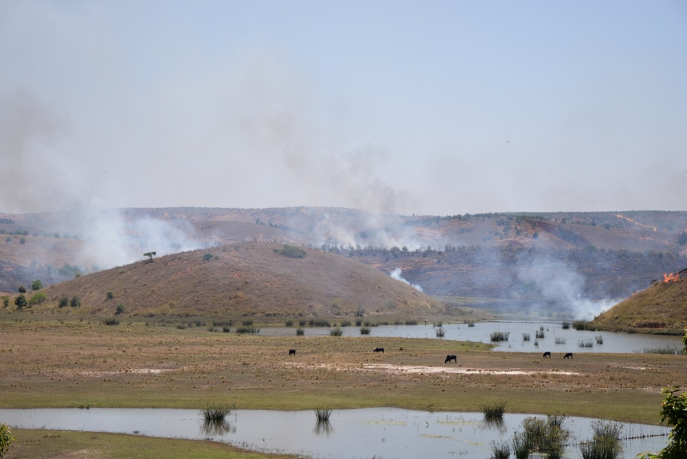 Several agricultural fires ablaze at once in the severely degraded region of Alaotra-Mangoro. Photo: Alizé Carrère