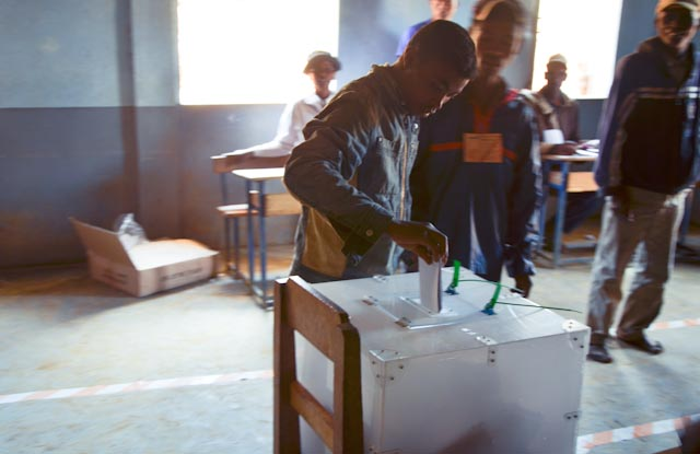 Voters cast their ballots in a one-room schoolhouse in a northern village of Madagascar. Photo  ©  Alizé Carrère
