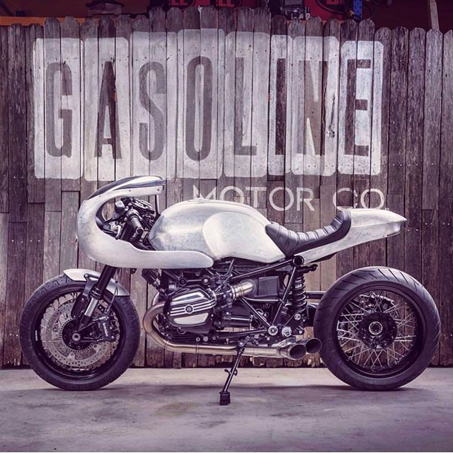 We're really liking this BMW R9T built by Gasoline Motor Co. Be sure to check it out at the @throttleroll. Thanks for sharing @jasongasoline! . #croig #caferacersofinstagram #throttleroll