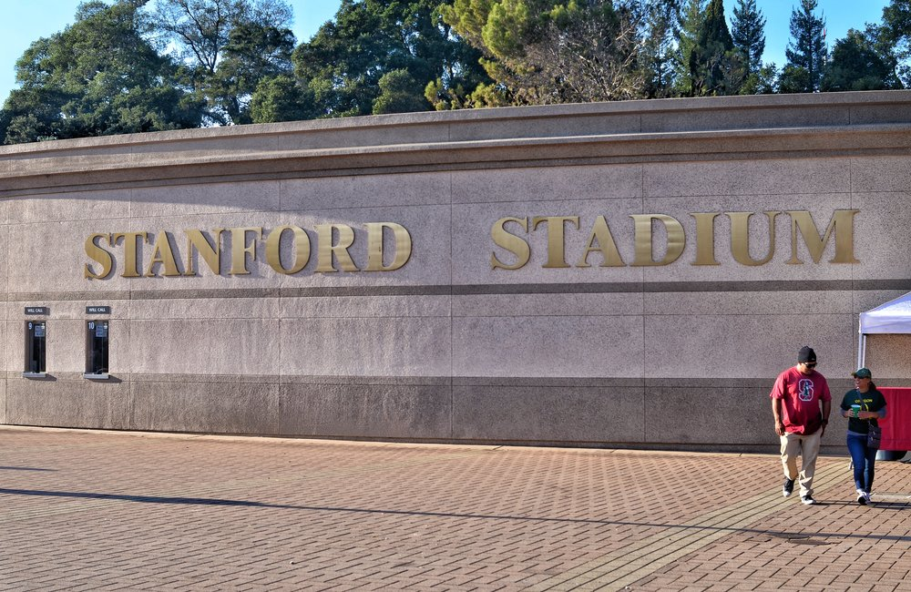 Once again Stanford & Oregon fans together at Stanford Stadium