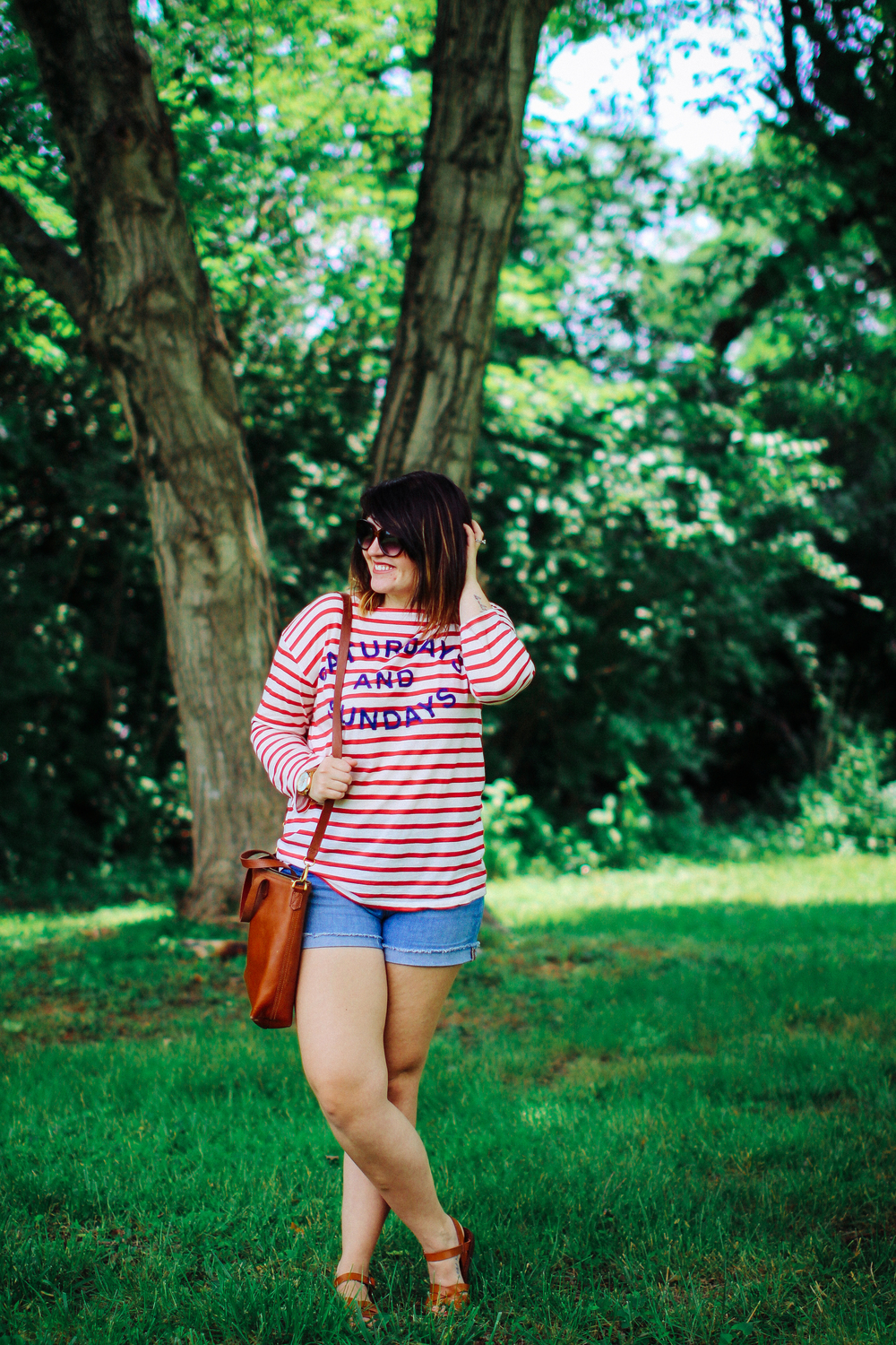 @anthropologie Weekend Tee, @madewell Shorts, @STEVEMADDEN sandals, Memorial Day Sale Round Up via www.chelceytate.com