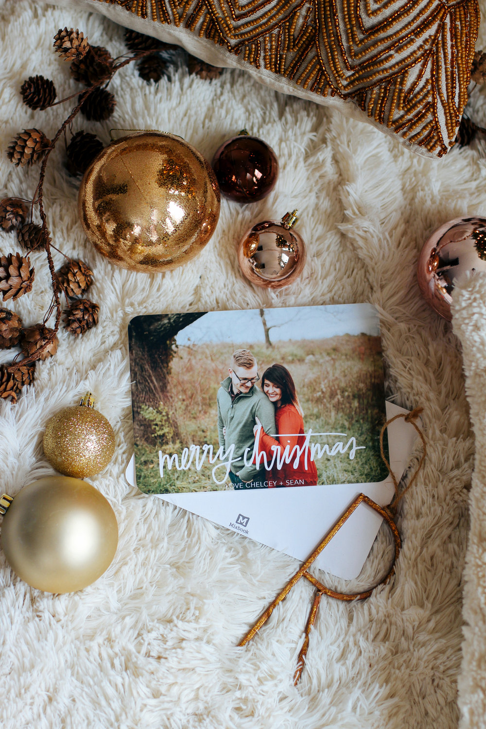 A Very Mixbook Christmas - hand letter Christmas cards via chelceytate.com
