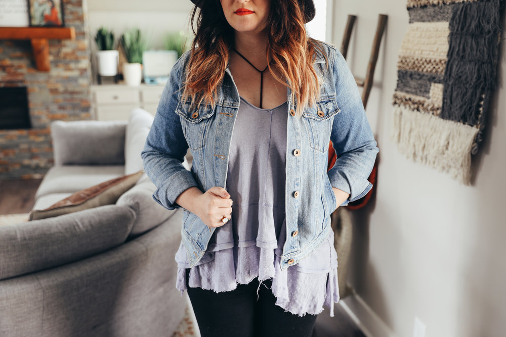 flowy tops I'm loving, spring style, laid back style via Chelcey Tate www.chelceytate.com