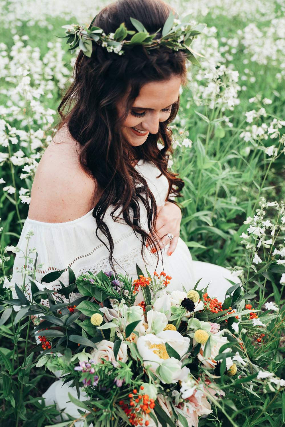 boho maternity photo session louisville kentucky boho mama to be by photographer Chelcey Tate
