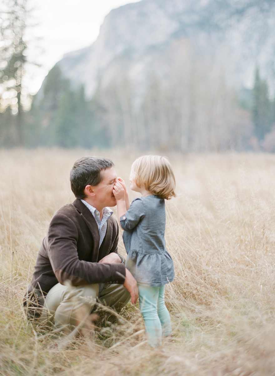 family-photographer-yosemite-national-park-elisabeth-kate-studio_0259.jpg