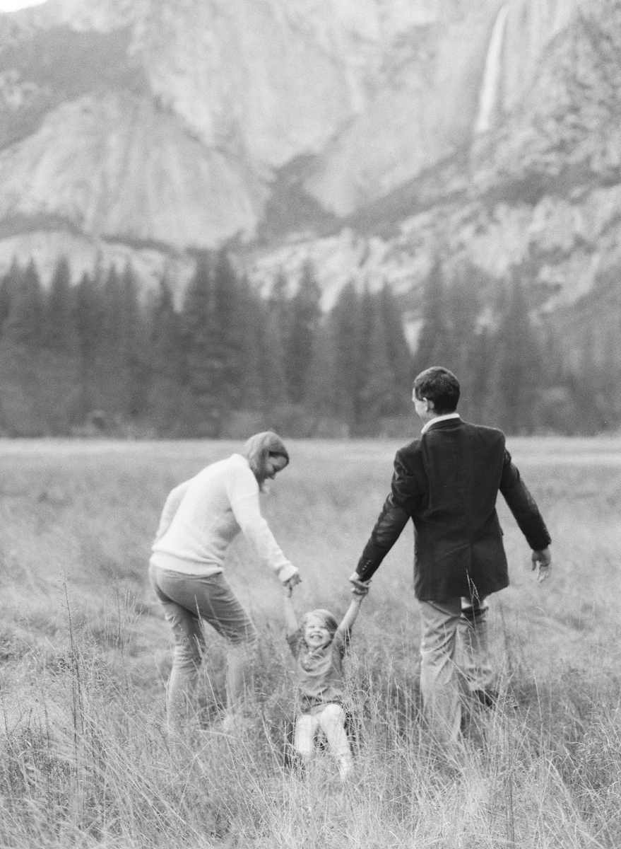 family-photographer-yosemite-national-park-elisabeth-kate-studio_0265.jpg
