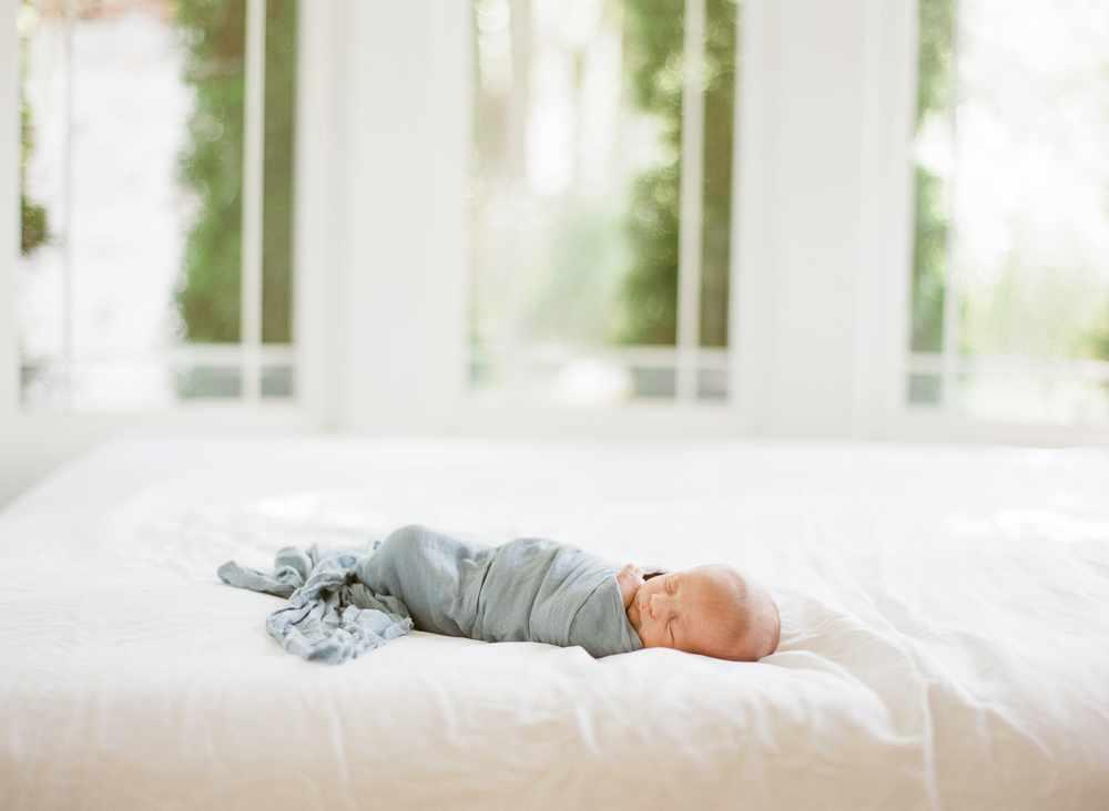 fresno-newborn-photographers-elisabeth-kate-studio_0393.jpg