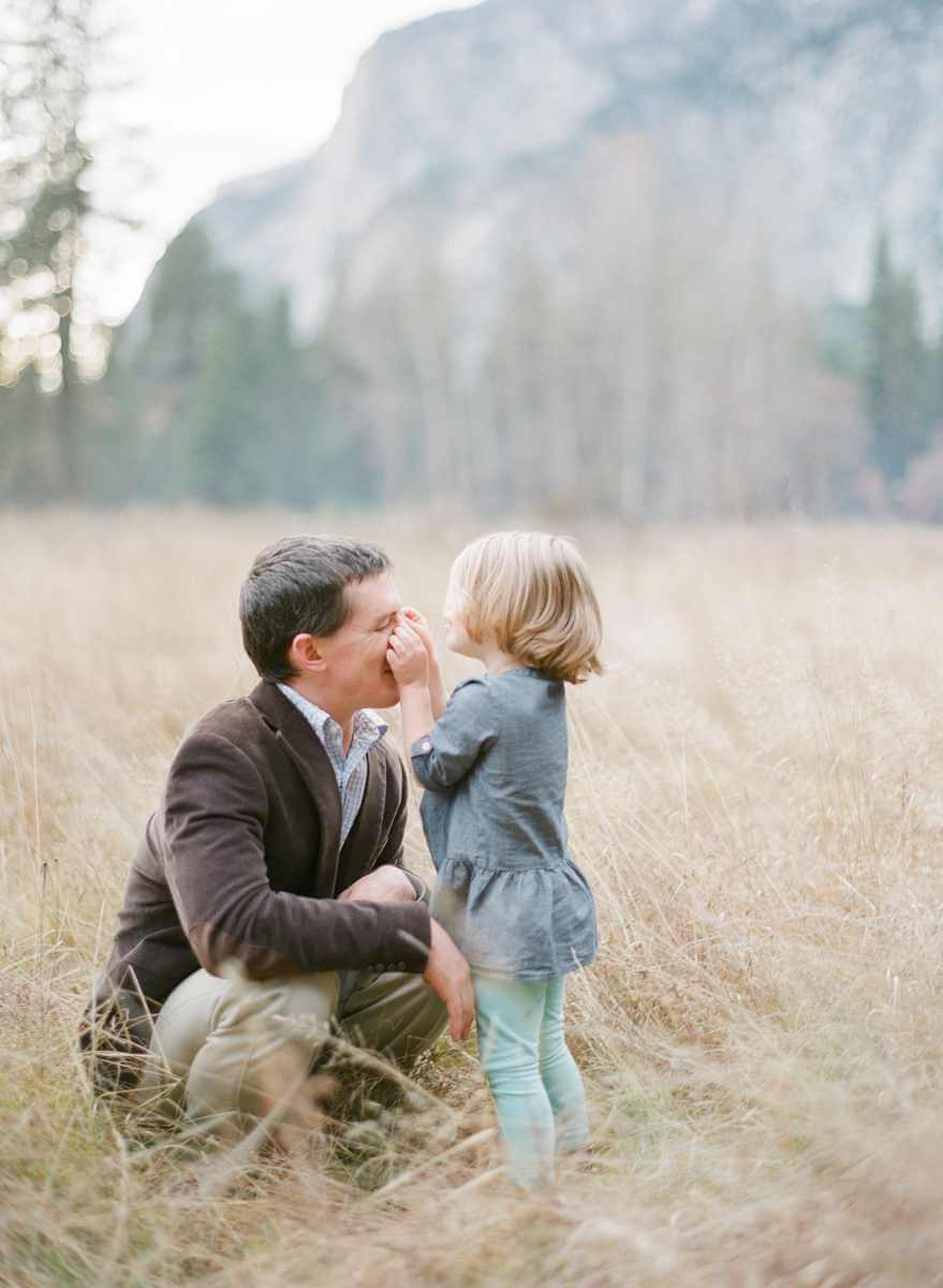 family-photographer-yosemite-national-park-elisabeth-kate-studio_0259.jpg