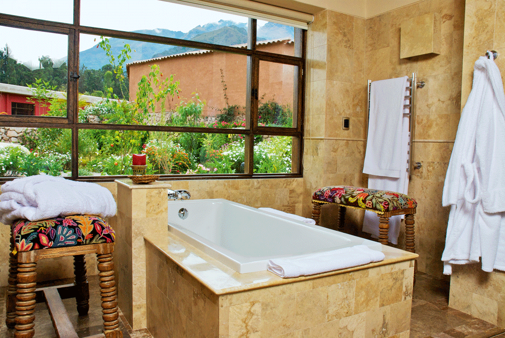 Deluxe Casita Bath