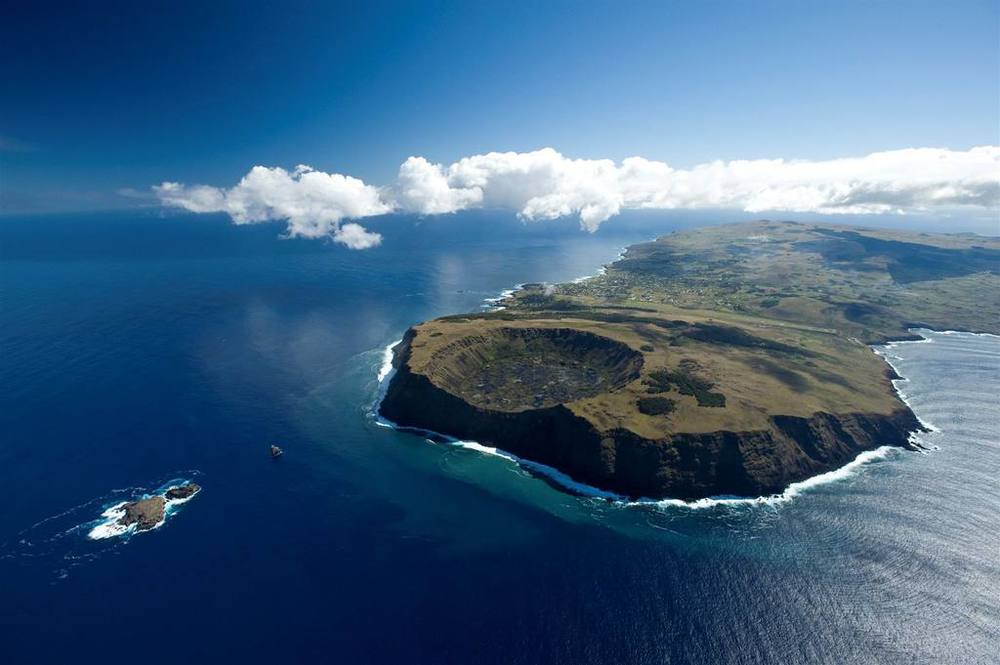 Discover wild and rugged Rapa Nui