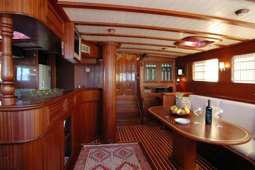 Samarkand-saloon-and-galley.jpg