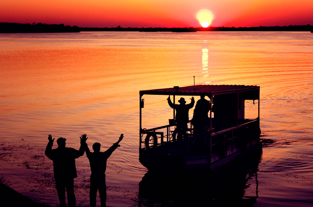 05-zambezi-sands-sundowner.jpg