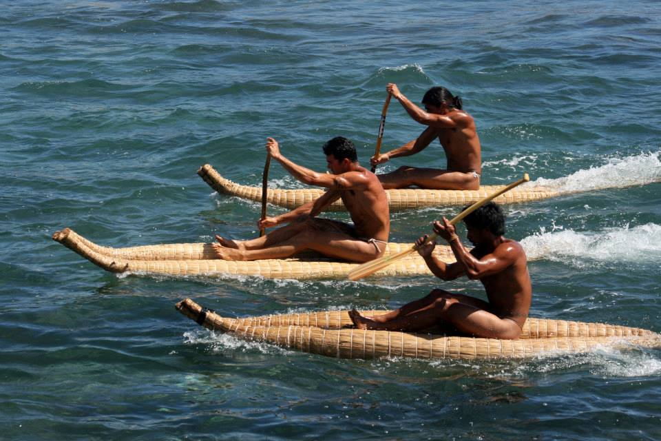Racing reed rafts (photo: Tapati Rapa Nui)