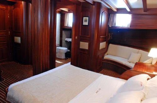 cabin-03.jpg