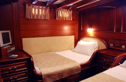 cabin-05.jpg