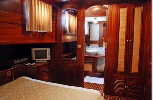 cabin-06.jpg