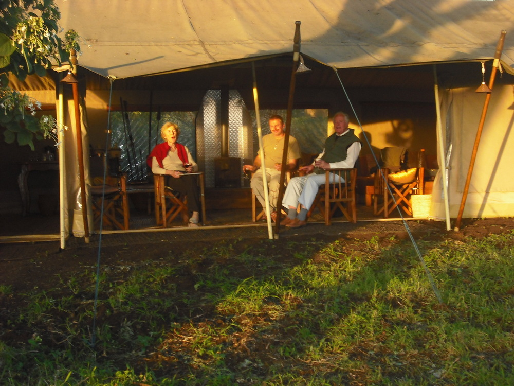 mysigio - lounge tent during the day.JPG