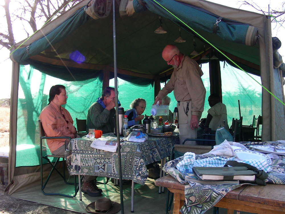 wilderness camp - bug proof mess tent.JPG