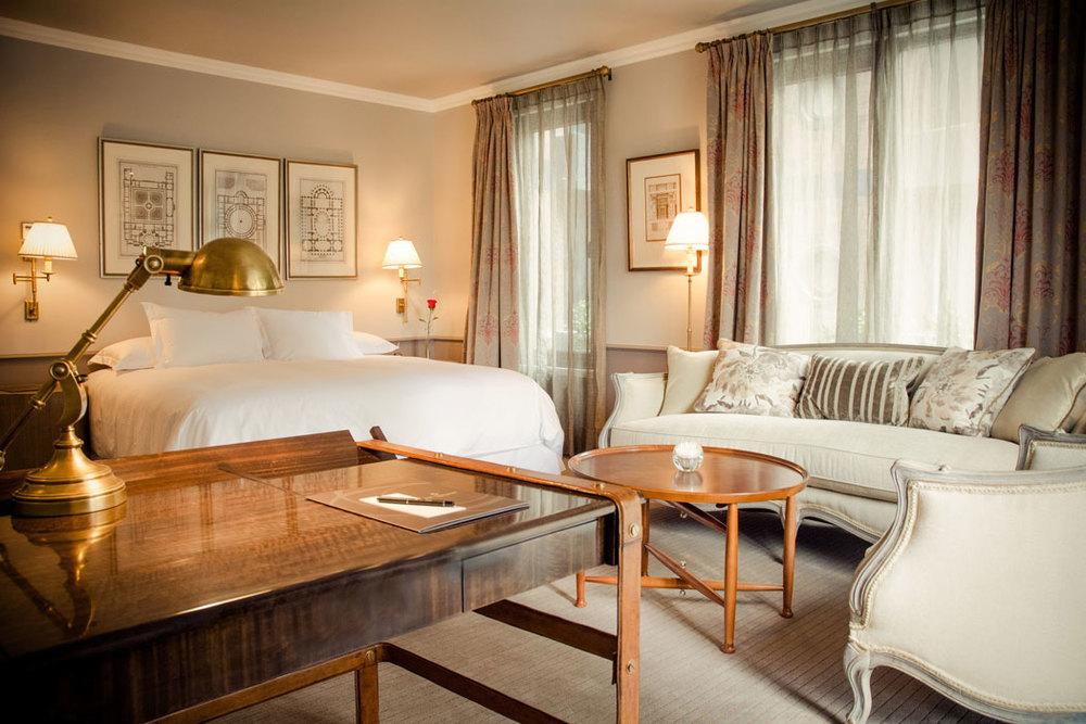 room-suite.jpg