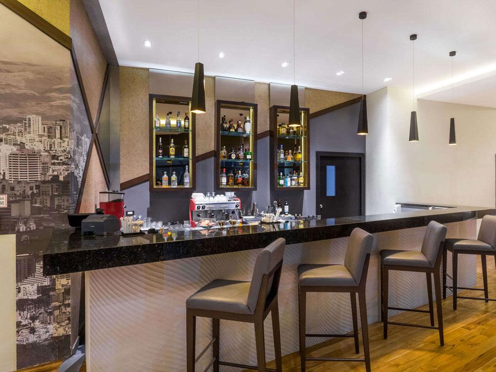 bar_lounge.jpg