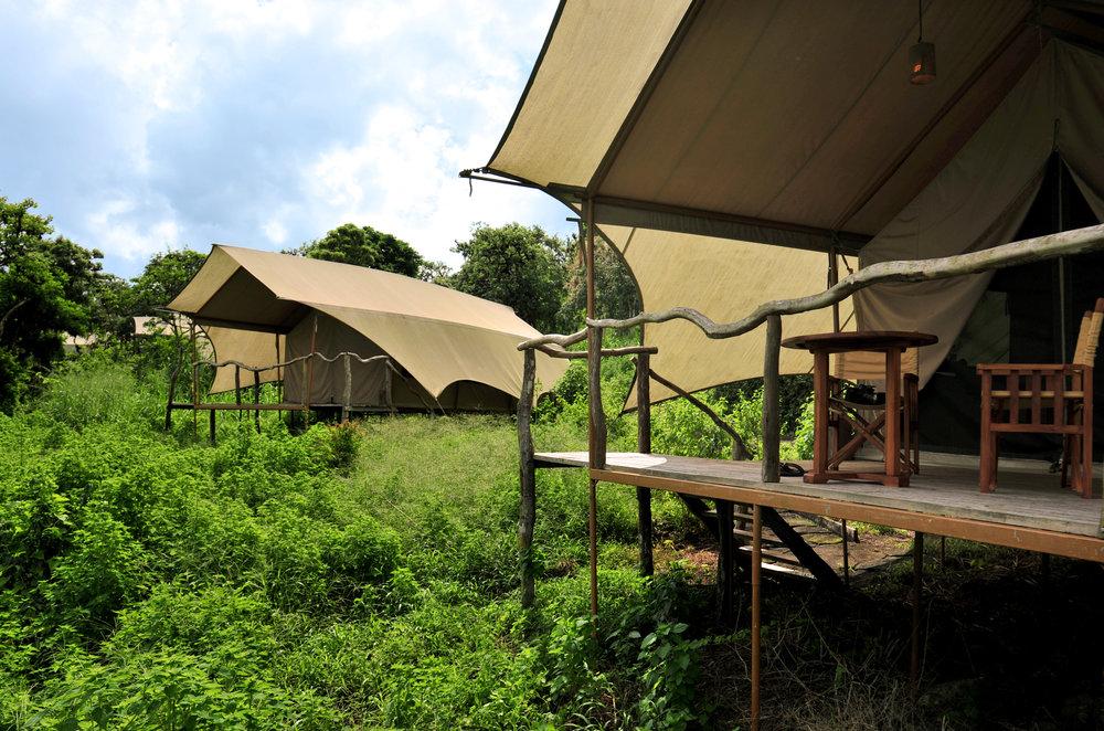 2 tent exterior horizontal dsc_0622.jpeg