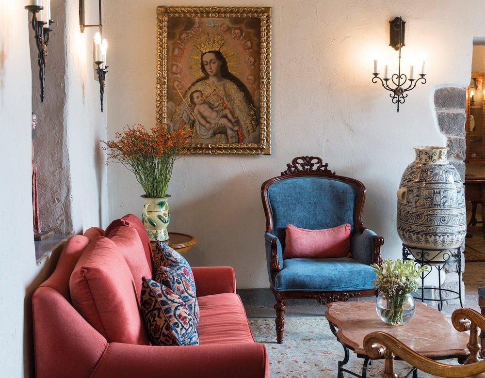 Palacio Nazarenas lounge