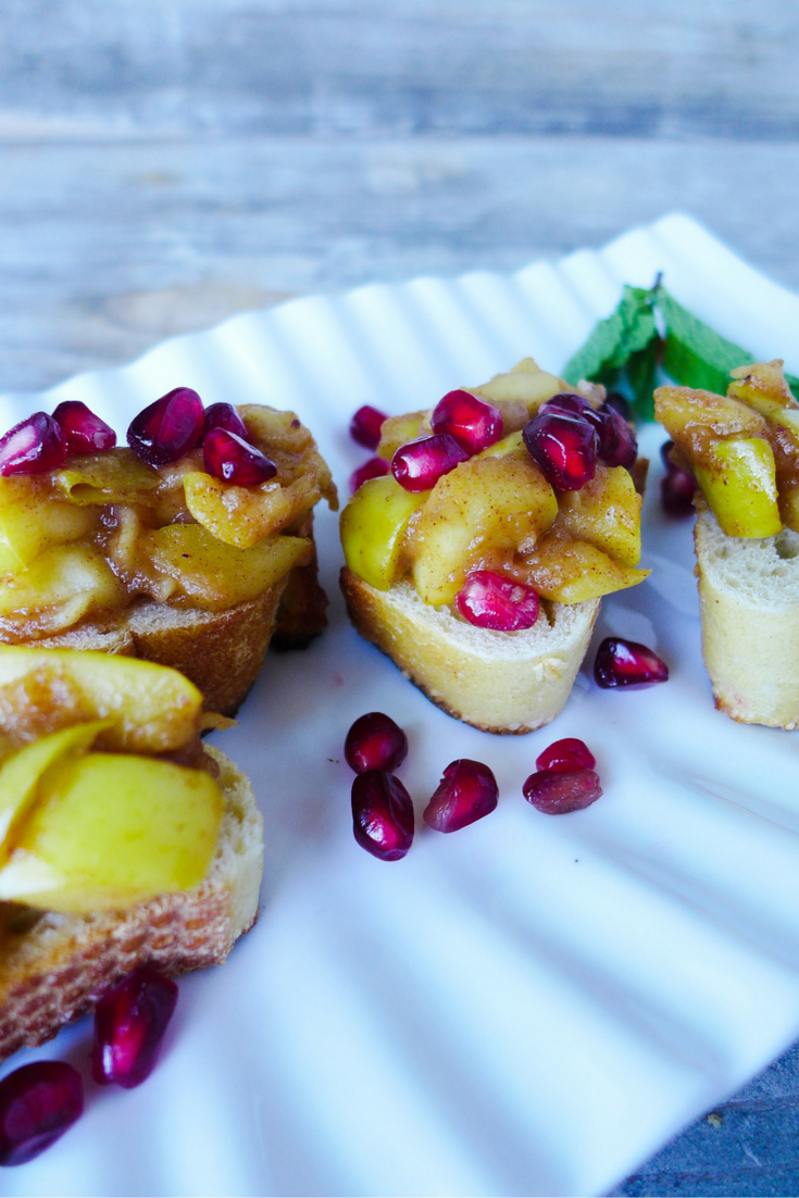 Apple-Jam-Pomegranate-Crostini.jpg