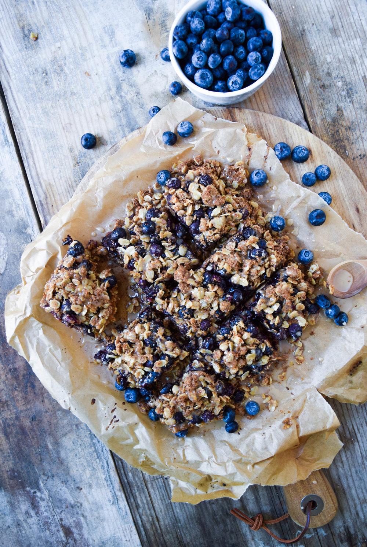 blueberry-oatmeal-bars-healthy-breakfast-dessert.jpg