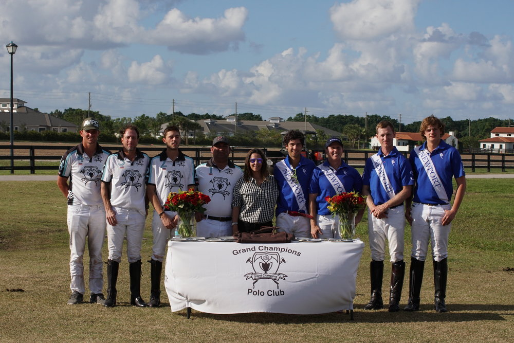 Daylight Savings Cup finalists Patagones and Newport with awards presenter Annie Blain.