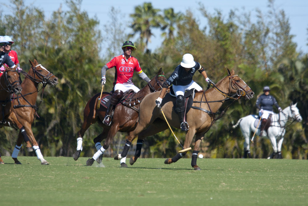 Gonzalito Pieres of Flexjet works the ball downfield.