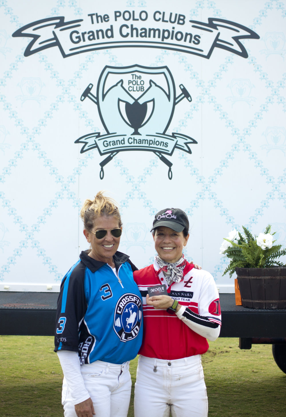 3-28-2018 Alina Carta presenting Dawn Jones with Moda MVP.JPG