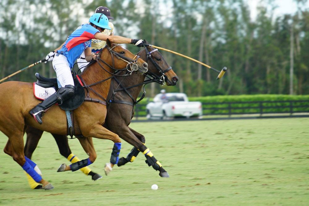 Benjamin Avendano of Patagones defend.JPG
