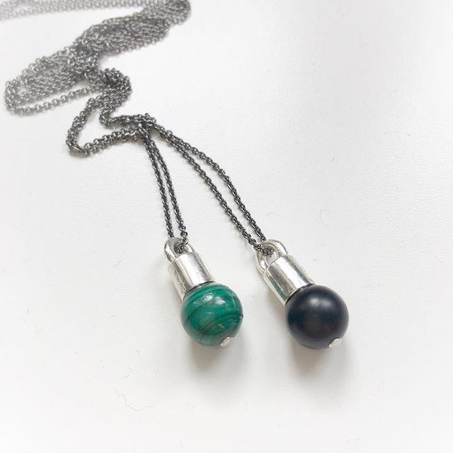 Precious pebble love duo💚🖤 @evenfossen @iamk_kristinemaudal #madeinnorway #byme#silver#precioisstones #unisex#chain#jewelry @bymenorway