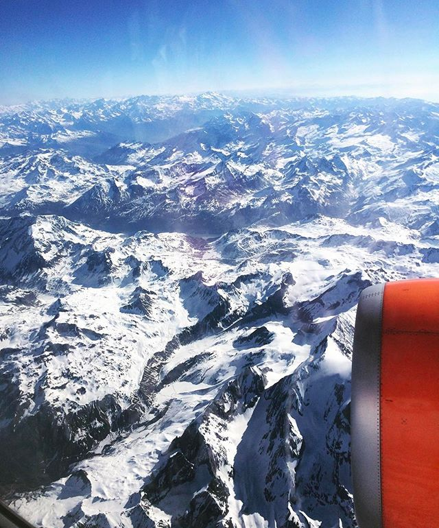 No matter how much you travel, views from the air like this will never get old... //Somewhere on the way to Switzerland// ✈️🌍❄️ . . . . . . . . . . . . #travel #explore #thetoastyavocados #switzerland #mountains #air #snow #europe #travelstoke #epic #nature #beautiful #paradise #world #adventure #mundo