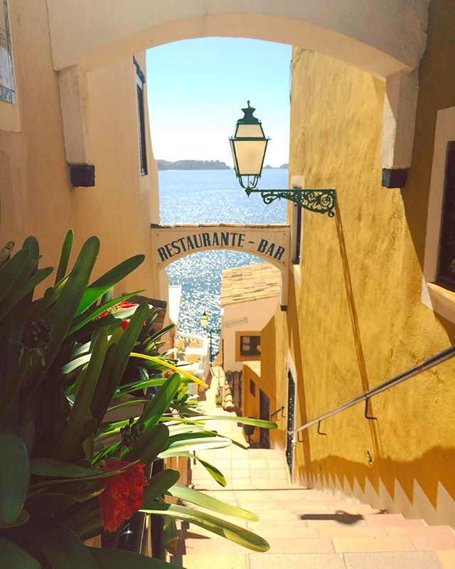 ✨Love finding all the hidden gems, all the quaint nooks and crannies, of a new city ✨ . . . . . . . . . . #travel #explore #adventure #world #travel #islandlife #island #mallorca #majorca #world #mundo #paradise #isla #balearic #holiday #vacation #wanderlust #instalove #viajar #spain