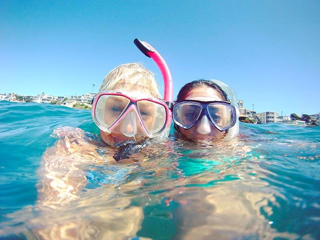 Oh HAI Friday. Been looking for you since Monday. 🖐🏽🤓👯 . . . . . . . . . . . . . . . . . #friday #weekend #beach #paradise #sun #summer #snorkel #wanderlust #travel #world #explore #bff #bestfriends #adventure #swim #holiday #vacation #water #ocean #california #perfect #ohhai #bestie