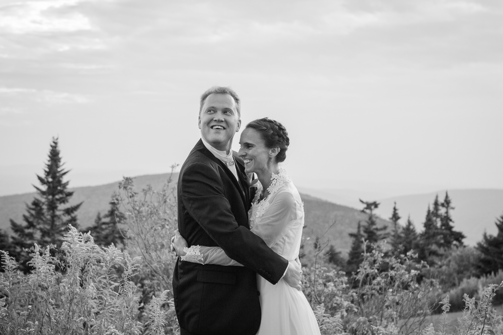 Lauren and Eyvi Bascom Lodge Mt. Greylock Berkshires Massachusetts Mountain Wedding Shannon Sorensen Photography