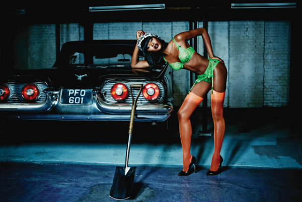 Naomi-Campbell-poses-for-Agent-Provocateur-600x402.jpg