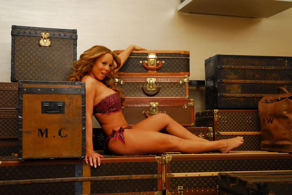 MARIAH'S GOT BAGGAGE