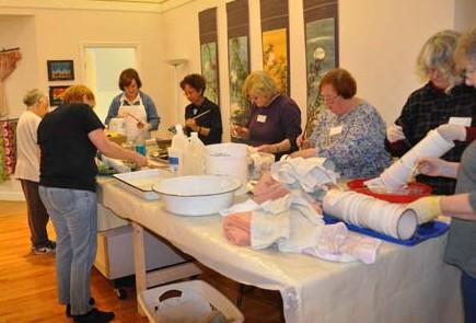 Piedmont Silk Painters: painting pleat/wrap scarves