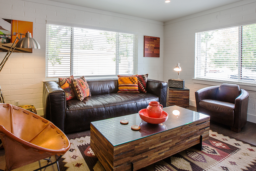 FLAT 5   620 sq. ft. / Sleeps 4 ( king bed, twin bed, twin Murphy bed )
