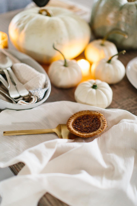 Nantucket Autumn Tablescape Entertaining by Abby Capalbo | Photography: Erin McGinn