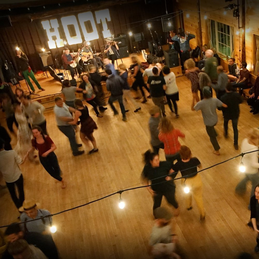 10:00 pmLATE NIGHT SQUARE DANCE - Molsky's Mountain Drifters with Ruth Ungar calling.Circle left, y'all! - no experience necessary