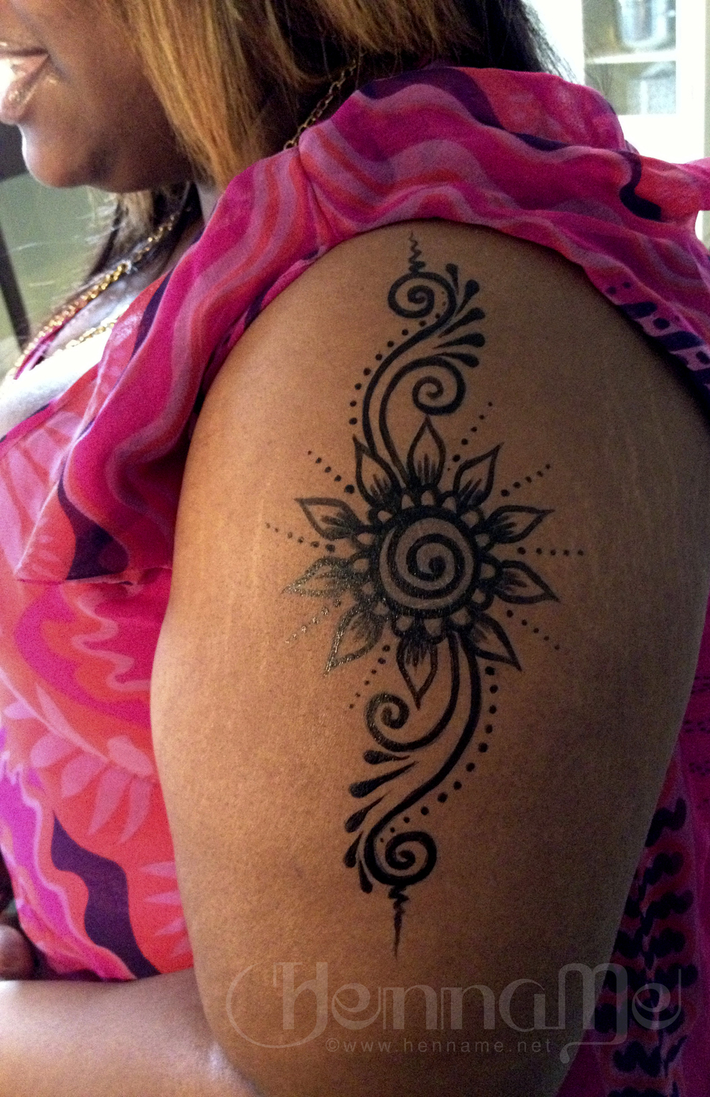 Temporary tattoos cleveland henna henname body art for Henna body tattoo