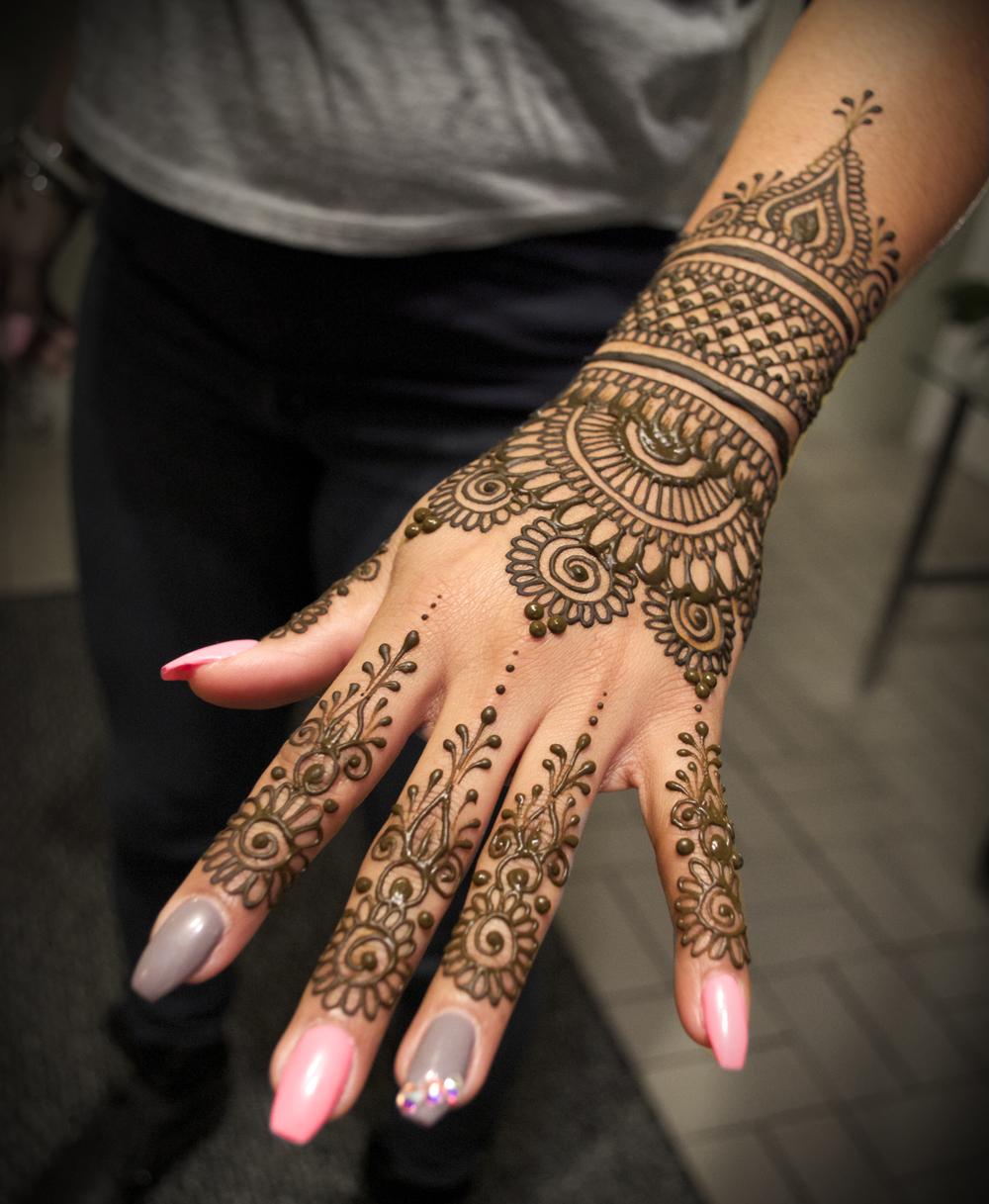 henna_hand.jpg